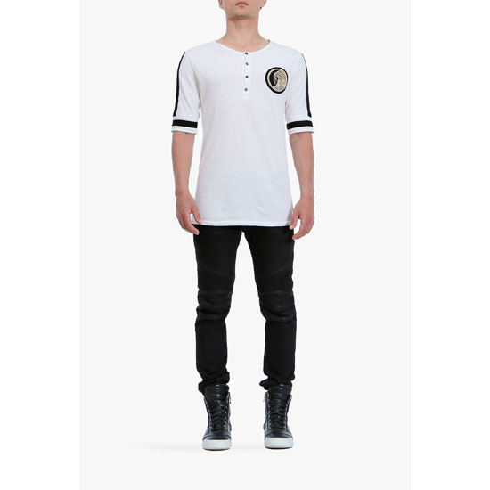 BALMAIN MEN COTTON SHORT-SLEEVED HENLEY T-SHIRT WITH BADGE Outlet Online