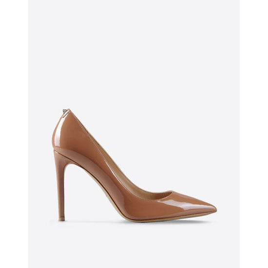 VALENTINO PUMP WITH STUD DETAIL HWS00559-AVBH01 B17 Outlet Online